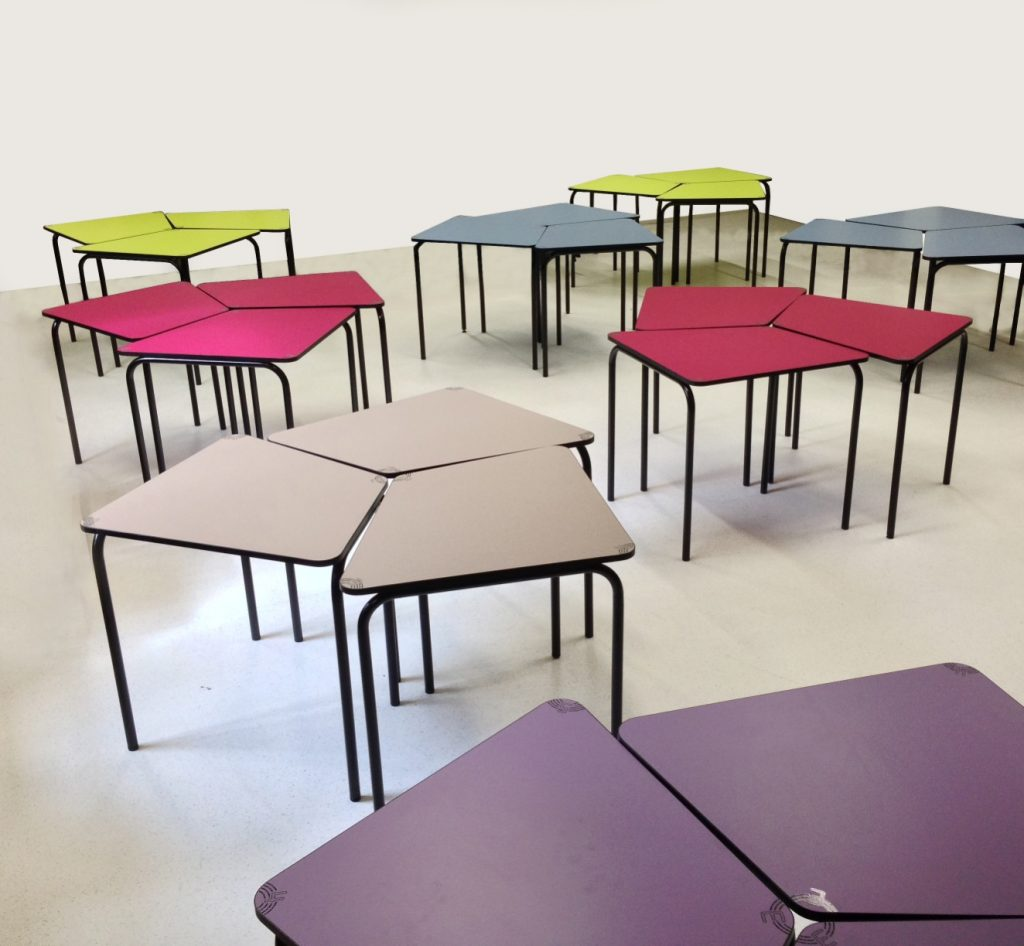 Cr ez une salle de r union modulable gr ce ia france - Table de reunion modulable ...