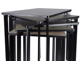 table pour travail en groupe, table design et empilable