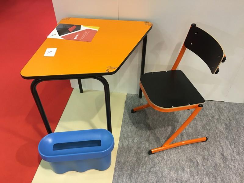 un mobilier scolaire design avec corbeille à papier