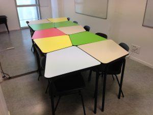 Une salle de réunion modulable et contemproaine
