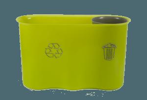 collecte des déchets dans une salle de classe