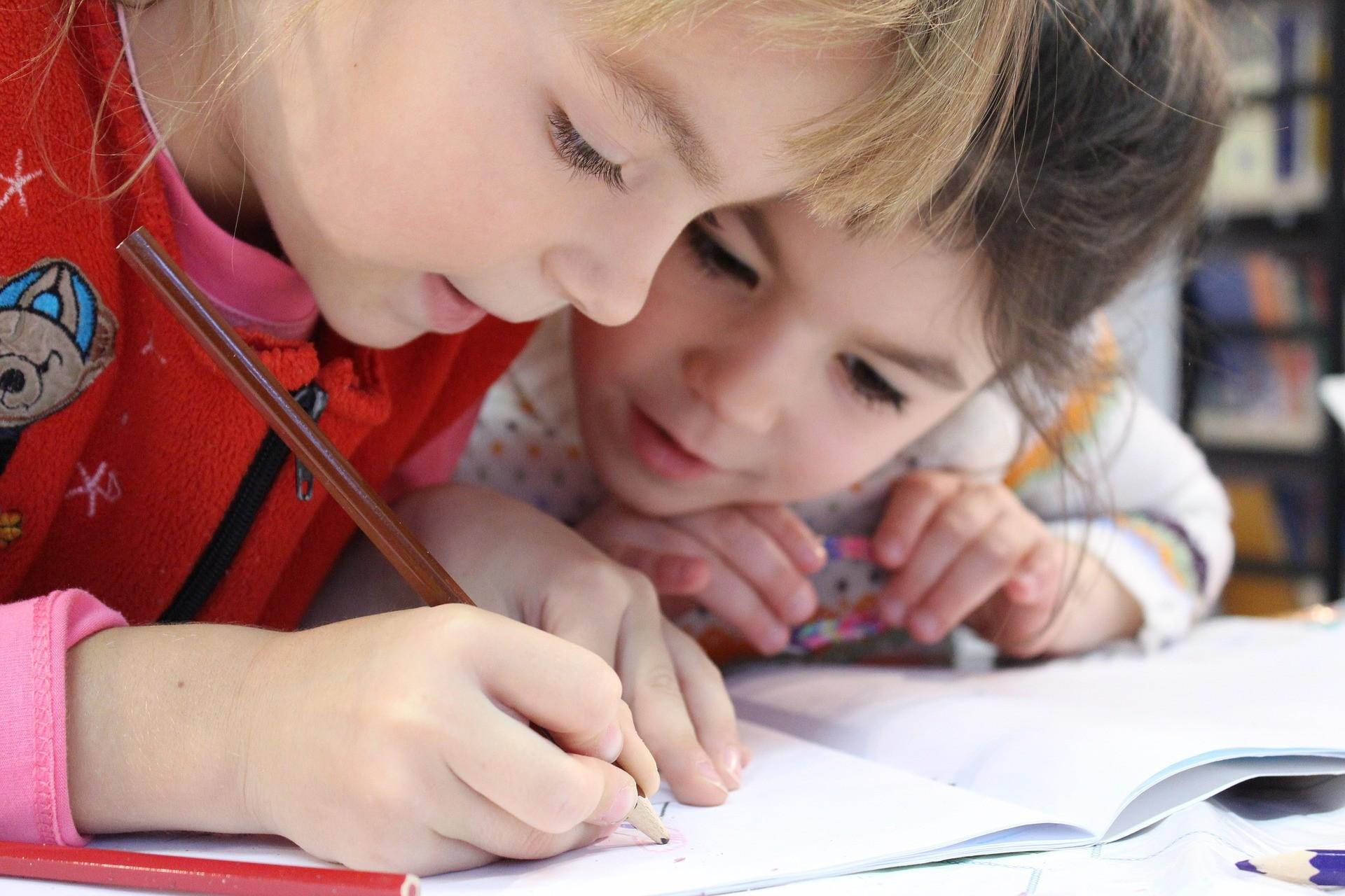 Des idées pour stimuler l'éveil de l'enfant en milieu scolaire