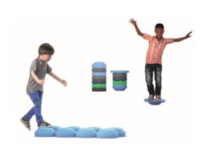 Briques multifonctionnelles et élément de jeu pour apprentissage au ras du sol
