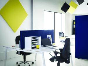 Ecrans acoustiques pour séparer les bureaux en entreprise