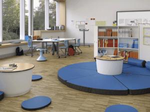 Matelas modulable en mousse épaisse, idéal pour votre salle de classe. IA France