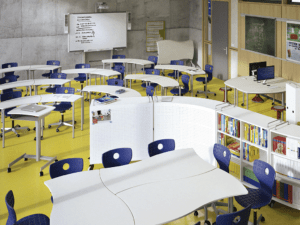 Table flexible et design adaptée pour milieu scolaire et professionnel